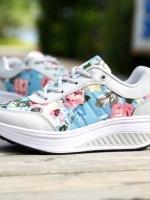 รองเท้าผ้าใบสีเทา เสริมส้นเวอร์ชั่นใหม่ ลายดอก ใส่สบาย น้ำหนักเบามาก เหมือนแบบ100%