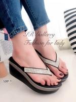 รองเท้าแตะผู้หญิง แบบคีบ แต่งอะไหล่เพชร (สีดำ )