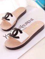 รองเท้าแตะผู้หญิงสีขาว แบบสวม เปิดนิ้วเท้า ทรงCH สวมใส่สบาย แฟชั่นพร้อมส่ง