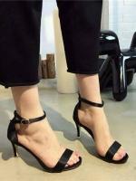 รองเท้าส้นสูงรัดส้น สไตล์Zara (สีดำ )