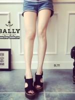 รองเท้าส้นเตารีดสีเทา รัดส้น สินค้านำเข้า100% งานสวยๆจาก BALLY ทำจากหนังกลับ งานสวย งานทน