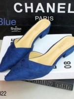 รองเท้าส้นเตี้ยหัวแหลมเปิดหน้าเท้าคอวี (สีน้ำเงิน)