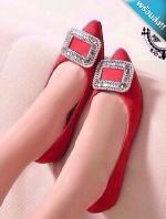รองเท้าคัทชูผู้หญิงสีแดง ส้นแบน หัวแหลม หัวแต่งเพชรสี่เหลี่ยม เรียบหรู ดูดี แฟชั่นเกาหลี แฟชั่นพร้อมส่ง