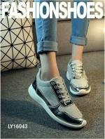 รองเท้าผ้าใบสีแนวสปอร์ต สวยมากขอบอก(สีทอง)