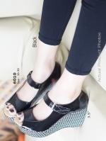 รองเท้าส้นเตารีด หุ้มส้น ลายชิโนริ (สีดำ )