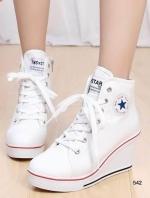 รองเท้าผ้าใบสีขาว เสริมส้น สไตล์ SPORTY GIRL เเนำนำ+1