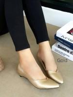 รองเท้าคัทชูส้นเตี้ย หัวแหลม ขอบหยัก (สีทอง)