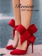 รองเท้าส้นสูงสีแดง งานนำเข้า วัสดุทำจากผ้าสักราจ เกรดA เนื้อดี หัวแหลมส้นสูง ส้นเข็มสูงเพียว4.5นิ้ว เริ่ดมาก