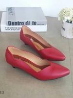 รองเท้าคัทชูส้นเตี้ย หัวแหลม ขอบหยัก (สีแดง)