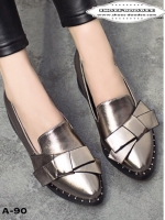 รองเท้าคัทชูสีกากี หนังเงานิ่ม สีตะกั่ว ส้นสูง1นิ้ว พื้นด้านในนิ่ม น้ำหนักเบา เก็บหน้าเท้า