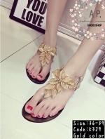 รองเท้าแตะรัดส้นแบบหูหนีบแต่งดอกไม้ (สีทอง)