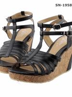 รองเท้าส้นเตารีดสีดำ สายปรับระดับได้ น้ำหนักเบา สวมใส่สบาย