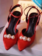 รองเท้าส้นสูงสีแดง ส้นเข็ม หัวแหลม ประดับมุก มีสายรัดข้อเท้า เข็มขัดปรับระดับได้ กระชับเท้า ใส่แล้วเท้าเรียว แฟชั่นเกาหลี แฟชั่นพร้อมส่ง