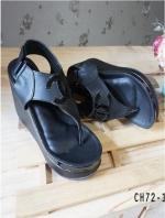 รองเท้าส้นเตารีดรัดส้น แบบคีบ สไตล์ชาแนล (สีดำ )