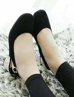 รองเท้าลำลองรัดส้น miu miu (สีดำ)