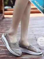 รองเท้าผ้าใบผู้หญิงสีเทา เสริมส้น ผ้าลูกไม้ แบบสวม ระบายอากาศได้ดี สวมใส่สบาย นุ่มสบายเท้า แฟชั่นเกาหลี แฟชั่นพร้อมส่ง