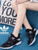รองเท้าผ้าใบสีดำ ดีไซน์sportgirl หัวเรียวแหลม แต่ใส่สบายสุด มีช่องระบายอากาศ ไม่อับชื้นค่ะ