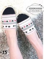 รองเท้าคัทชูสีขาวคาดดำ ลายยิปโซ ทรงสวม พื้นแน่น แต่งเชือกปอ วัสดุผ้าลายยิปโซ น่ารัก