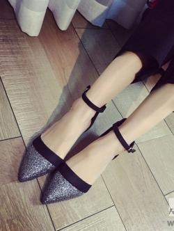 รองเท้าส้นแบนสีดำ หัวแหลม หนังกลิตเตอร์ตัดขอบด้วยVelvet สุดนุ่ม พื้นนิ่มเดินสบายในทุกๆวัน