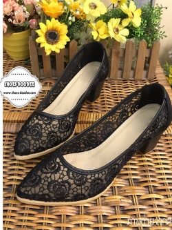 รองเท้าส้นสูงสีดำ วัสดุทำจากผ้าลูกไม้ลายใหม่ ส้นสุง2นิ้ว คุณภาพดีไม่ขาดง่าย