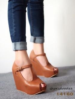 รองเท้าส้นเตารีดสีแทน สไตล์แบรนด์ หนังนิ่ม สูง4นิ้ว เสริมหน้า1.5นิ้ว ทรงสวย ใส่ง่าย