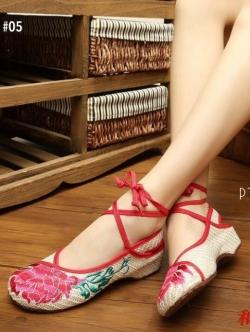 รองเท้าคัทชูสีครีม งานปักจีน2IN1 แบบใหม่ ไฉไลกว่าเก่า เชือกพันข้อเพิ่มความเก๋ ถอดสายออกได้
