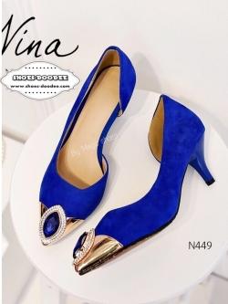 รองเท้าคัชชูส้นสูงสีน้ำเงิน หัวแหลม งานนำเข้า100% งานสวยๆจาก Nina-Ricci หนังกำมะยี่ ปะตรงหัวด้วยอะไหล่ติดเพรช สูง2.5นิ้ว