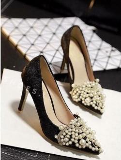 รองเท้าคัชชูส้นสูงสีดำ ลูกไม้ งานหรูๆจาก Lanvin บุด้วยผ้าลูกไม้นิ่ม แต่งมุก ริสตัสสวยมาก สูง2นิ้ว