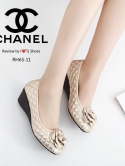 รองเท้าคัชชูสีทอง STYLE.CHANEL ทำจากผ้าสีออกเมทัลลิคใส่แล้วทำให้ดูขับผิวเท้า ทรงสวย ใส่แล้วดูดี
