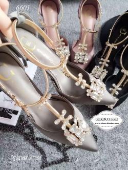 รองเท้าส้นสูงสีเทา รัดข้อแบบหรูๆทรงDior งานหนังซาติประดับคริสตัสสวยมาก วัสดุเกรดดีระดับพรีเมี่ยม