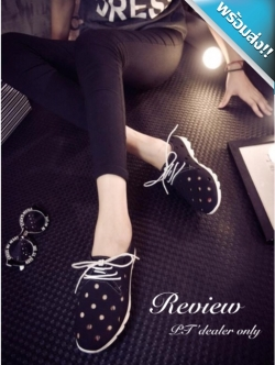 รองเท้าผ้าใบผู้หญิงสีดำ หนังเจาะรู พื้นร่อง แบบเชือกผูก แฟชั่นเกาหลี ระบายอากาศได้ดี สวมใส่สบายเท้า แฟชั่นเกาหลี แฟชั่นพร้อมส่ง