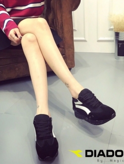 รองเท้าผ้าใบสีดำ ลำลองส้นหนา DIADORA ทรงสวย ใส่สบาย ออกกำลังกายก็ฟิน เก๋ๆ อินเทรนสุดๆ น้ำหนักเบา สูงกำลังดี2นิ้ว