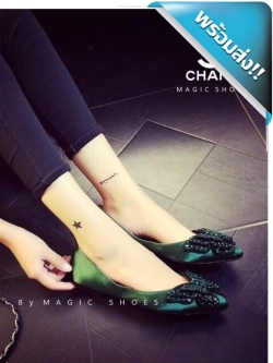 รองเท้าคัชชูผู้หญิงสีเขียว หัวแหลม ส้นเตี้ย Chanel งานคริสตัสรูปผีเสื้อ งานสวยๆ เล่อค่าสุดๆ