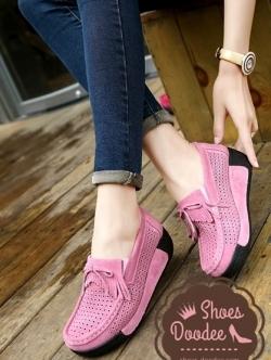 รองเท้าผ้าใบสีชมพู ผลิตจากหนังแท้ มาพร้อมกับความนิ่ม สูง2นิ้ว งานดี การันตีสุดๆ
