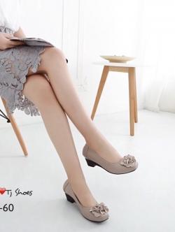 รองเท้าคัชชูสี ทำจากหนังนิ่ม ขอบผ้ายางยืด ใส่แล้วยืดหยุ่นตามเท้า ด้านหน้าอะไหล่อย่างดี สูง2นิ้ว