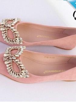 รองเท้าคัทชูส้นแบนสีชมพู หนังสักราจ หัวแหลม แต่งหน้ากากฝังเพชร สวยหรู ทันสมัย แฟชั่นเกาหลี แฟชั่นพร้อมส่ง