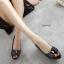 รองเท้าคัทชูเปิดหน้า ประดับอะไหล่ (สีดำ) thumbnail 4