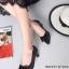รองเท้าคัทชูหัวแหลม แต่งโบว์ ลายหนังงู (สีดำ )
