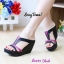รองเท้าส้นเตารีดทรงสวม เว้าข้าง เล่นสีทูโน (สีดำ ) thumbnail 2
