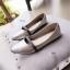 รองเท้าคัทชูส้นเตี้ย หัวแหลม แต่งสายคาด (สีเทา ) thumbnail 2