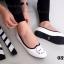 รองเท้าคัทชูส้นเตี้ย ปักนาฬิกา (สีขาว ) thumbnail 2