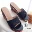 รองเท้าส้นเตารีดแบบสวม แต่งลายไทบ (สีดำ )