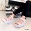 รองเท้าส้นเตารีดปบบรัดข้อเท้า ลายจุด (สีเทา ) thumbnail 2