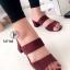 รองเท้าส้นสูงแบบสวม สายคาด2สาย หนังกลับ (สีแดง )