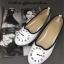 รองเท้าคัทชูส้นเตี้ย ปักนาฬิกา (สีขาว ) thumbnail 4