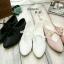 รองเท้าคัทชูส้นเตี้ย หัวแหลม แบบผูกเชือก (สีดำ ) thumbnail 5