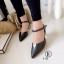 รองเท้าส้นสูงแบบรัดส้น ส้นเหลี่ยม หน้าวี (สีดำ ) thumbnail 3