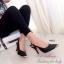 รองเท้าคัทชูส้นสูงรัดส้น หัวสีทอง (สีดำ ) thumbnail 3