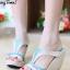 รองเท้าส้นเตารีดทรงสวม เว้าข้าง เล่นสีทูโน (สีครีม )