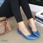 รองเท้าคัทชูส้นเตี้ย หัวแหลม ขอบหยัก (สีน้ำเงิน) thumbnail 3